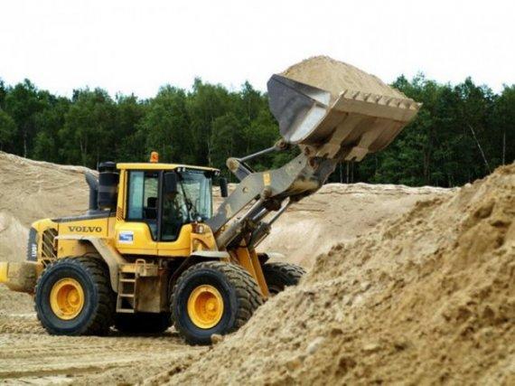 Вчера на очередной сессии Херсонского областного совета снова подняли вопрос о целесообразности выдачи разрешений на добычу песка