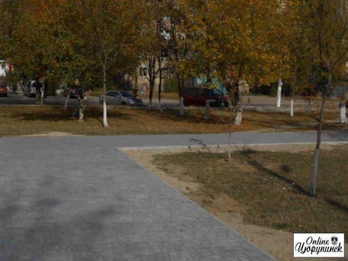 О ходе работ по благоустройству парка на поселке (фото)