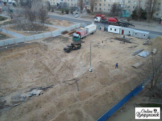 Cвежие фотографии со стройки магазина АТБ в Цюрупинске