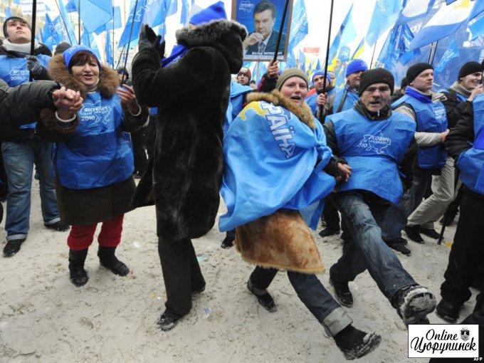Цюрупинских бюджетников в обязательном порядке везут митинговать в Херсон