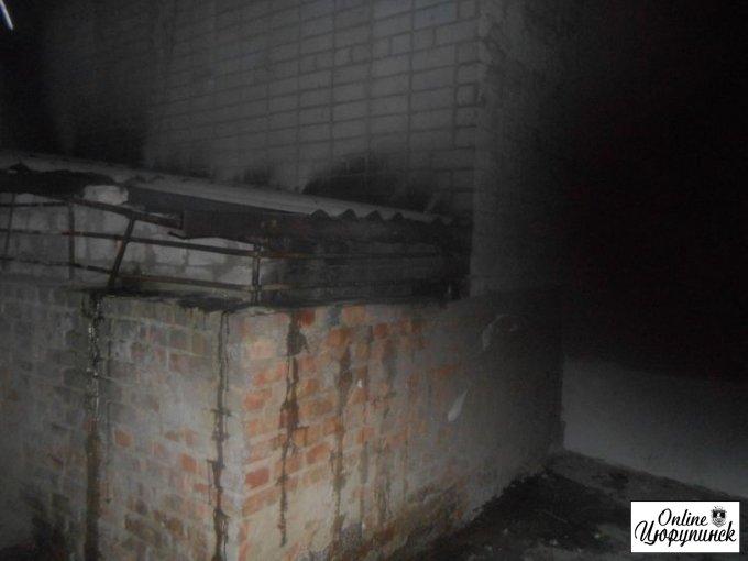 Ночной пожар в многоквартирном доме в Цюрупинске