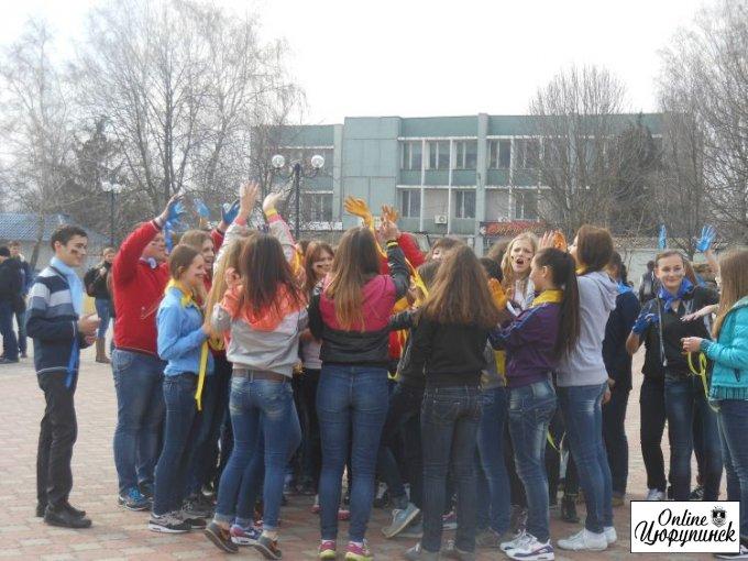 Школьники на Херсонщине за мир, свободу и единую Украину (фоторепортаж)