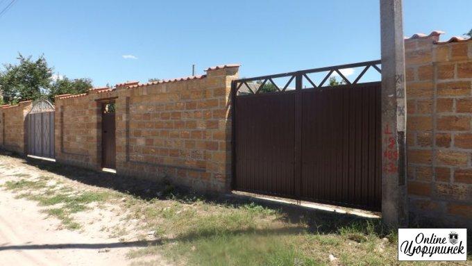 Совершенно секретно - таинственное превращение общественного туалета в трехметровый забор