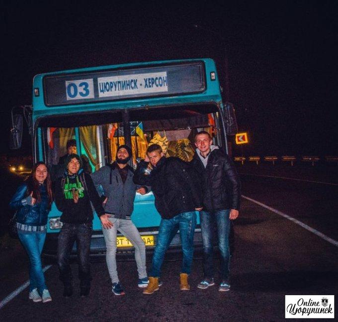 У цюрупинских автобусов солярка заканчивается прям на мосту (фото)