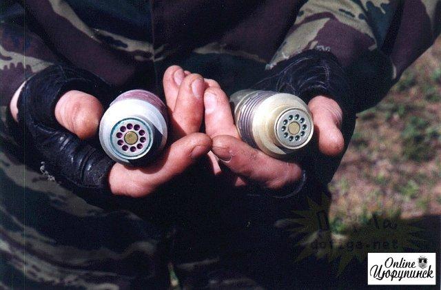 У цюрупинського водія вилучили 5 гранат та патрони