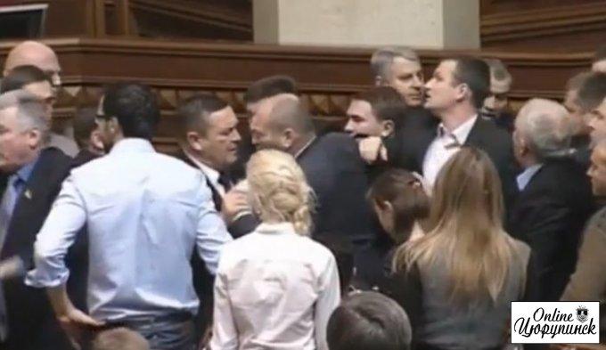 Депутат Негой уже отличился в новом парламенте (видео)