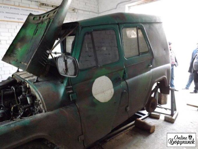 В Цюрупинске ремонтируют военный транспорт для нужд АТО (фото)