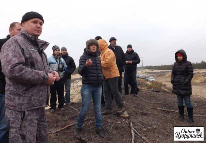 Встреча цюрупинчан в лесу который уничтожают (фото)