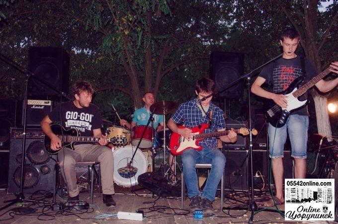Несколько фото с рок-концерта местных исполнителей в Цюрупинске