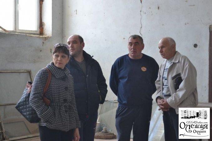 """Цюрупинские депутаты побывали на стадионе """"Старт"""""""