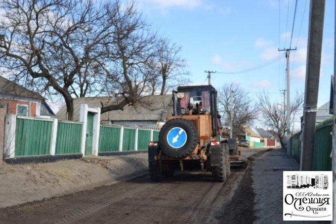 У Цюрупинську починається другий етап з грейдерування вулиць (перелік)