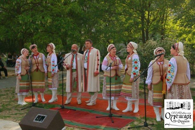 Вечірня святкова програма у Цюрупинську (фото)