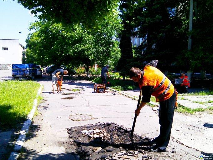 Розпочато ремонт асфальтно-бетонного покриття по вул. Енгельса