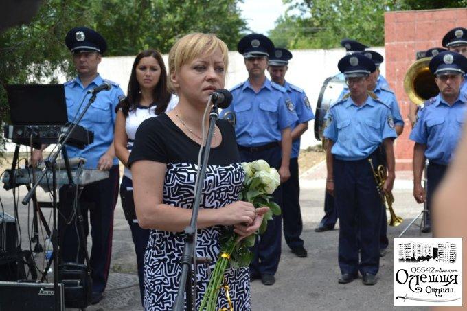 В Олешках урочисто відкрили пам'ятну дошку на честь Романа Набєгова