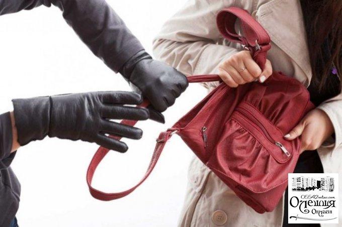 Оперативники Олешковского отделения полиции задержали грабителя
