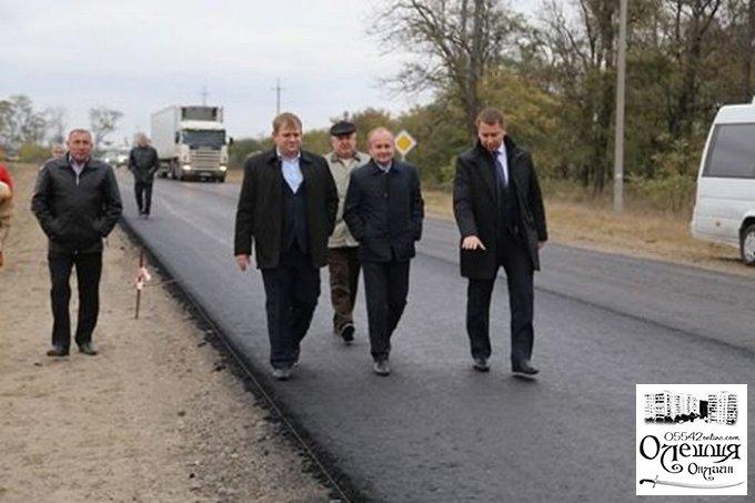 Між Олешками та Гопрами ремонтують дорогу