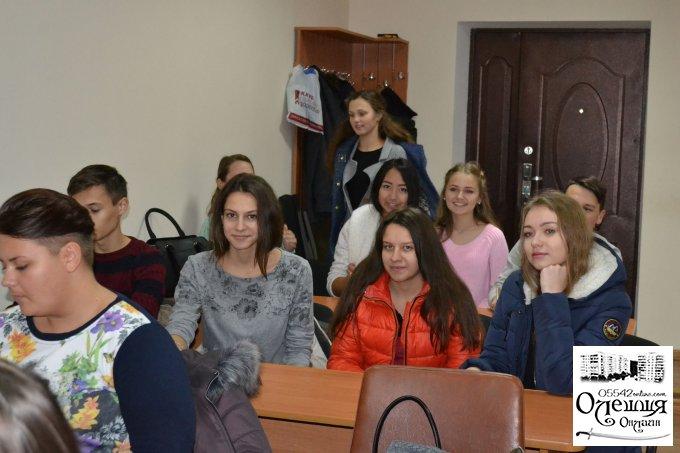 Міська влада в Олешках готує собі достойну заміну