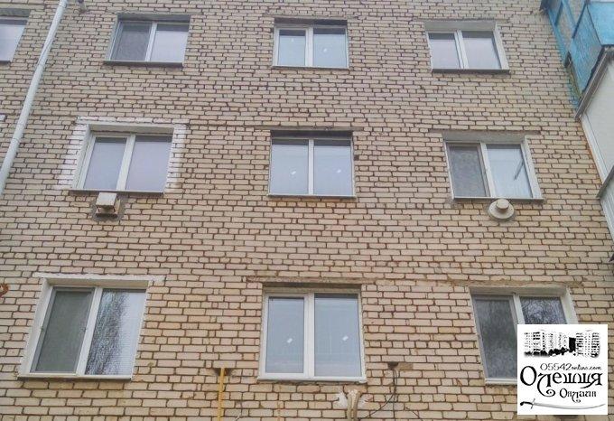 В будинку №6 на житлоселищі встановлено пластикові вікна