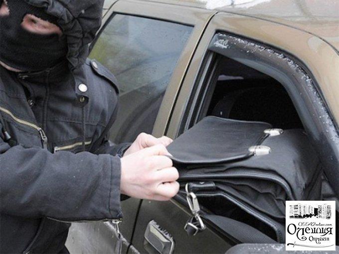 Нападение на машину бизнесмена в Олешковском районе