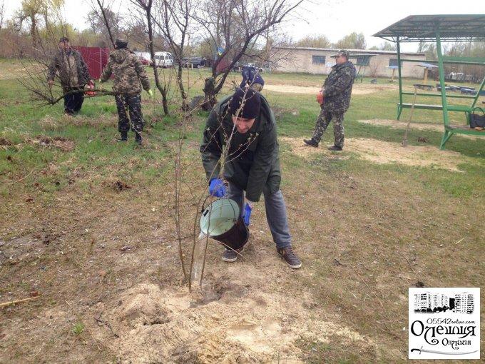 «Спілка Ветеранів АТО та волонтери Олешківського району» провели екологічну акцію з прибирання зон відпочинку біля водойм в місті Олешки