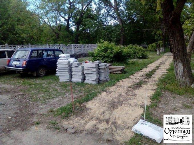 Ремонт тротуарів в Олешках