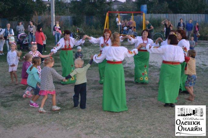 В Олешках продовжують святкувати День Незалежності України