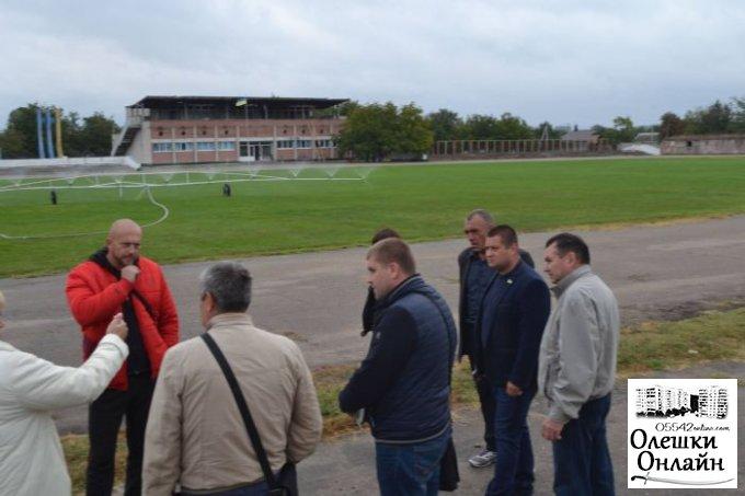 Відбулася виїзна нарада стосовно проведення реконструкцій трибун стадіону «Старт»