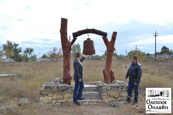 Реставрація пам'ятного знака в Олешках