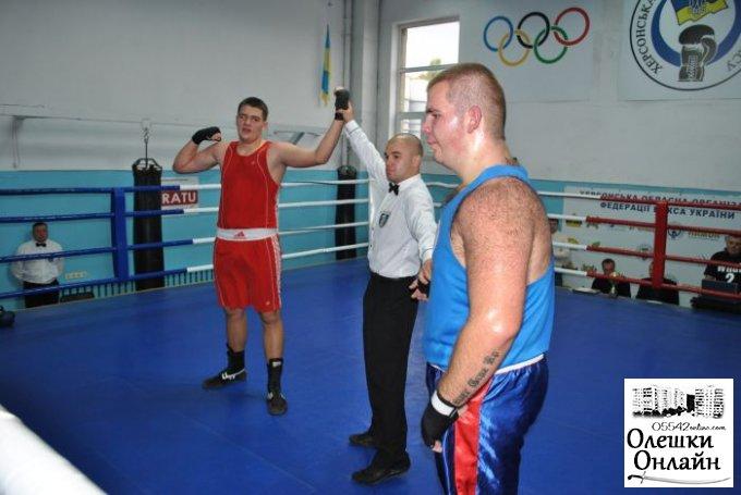 Олешковский богатырь - чемпион области по боксу