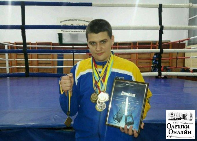 Олешковец - бронзовый призер Чемпионата Украины по боксу