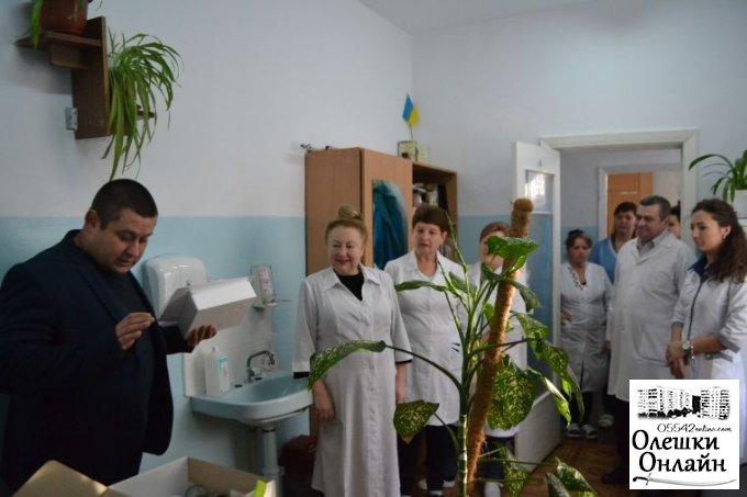 Допомога медикам від Олешківської міської ради
