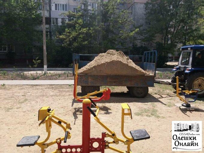 Благоустрій дитячих майдинчиків в Олешках