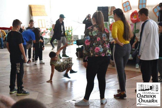 В Олешках відбувся фестиваль вуличного танцю «Global Street BATTLES»