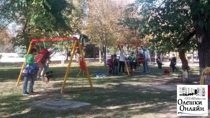Олешківська міська рада здійснила реконструкцію дитячого майданчика