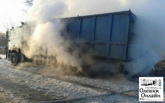 На трассе в Олешковском районе горела фура