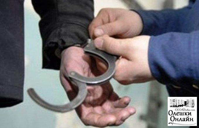 В Олешковском районе наемный работник обворовал своего работодателя