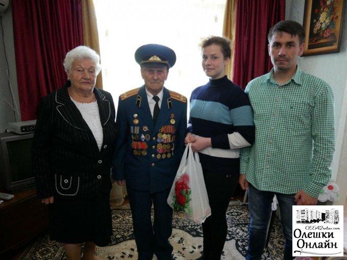 Члени Молодіжної ради привітали ветеранів Другої Світової війни