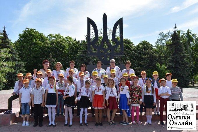 Олешківці відсвяткували День Вишиванки!