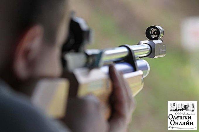 Житель Олешек подстрелил своего соседа из-за бытовухи