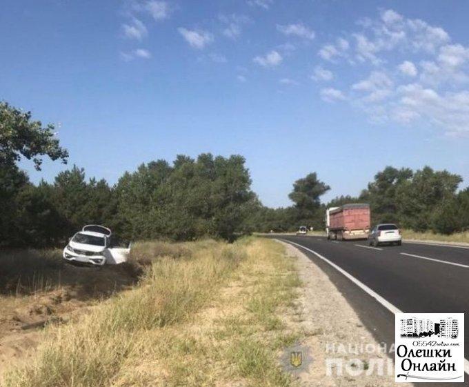 Полиция выясняет обстоятельства ДТП с пострадавшими в Олешковской районе