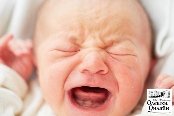 В Олешках на остановке нашли брошенного младенца
