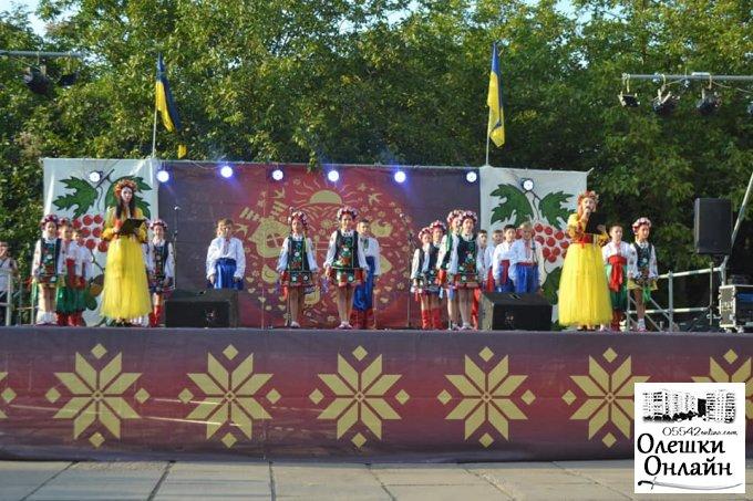 Олешки відзначили 28-у річницю Дня Незалежності.