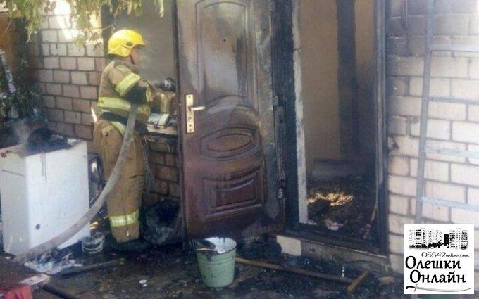 В Олешках сгорела часть дома, который принадлежал двум хозяевам