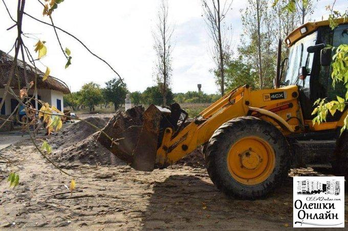 В Кринках відновлюють садибу