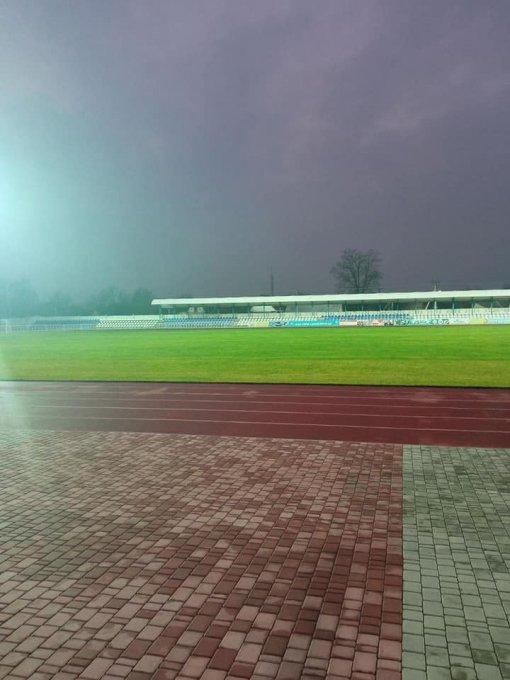 На стадионе в Олешках запустили систему освещения главного поля
