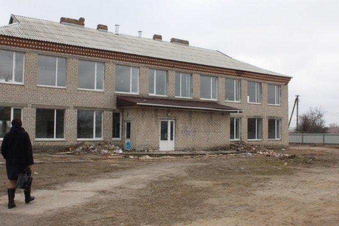 В Олешківському районі підприємець нагрів руки на грошах для дитсадка