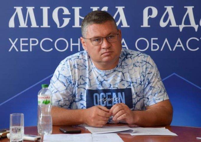 В Олешках ликвидируют поликлинику на посёлке - мэр в цветастой бобочке говорит, что денег нет