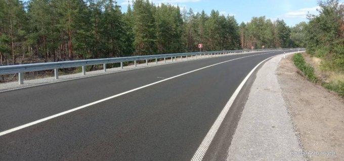 Люди в Олешках продолжают сами латать дороги (фото)